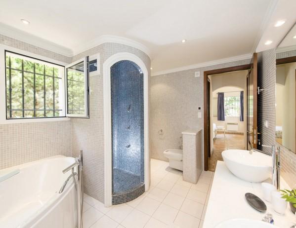 St paul de vence villa hazienda maisonazur for Schicke badezimmer