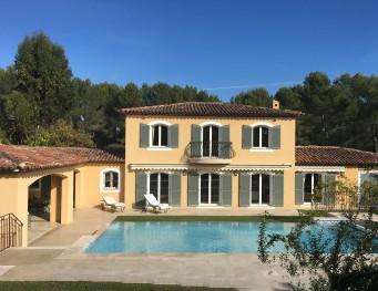 Traum schlafzimmer mit pool  Traumhafte Ferienvilla an der Côte d'Azur buchen